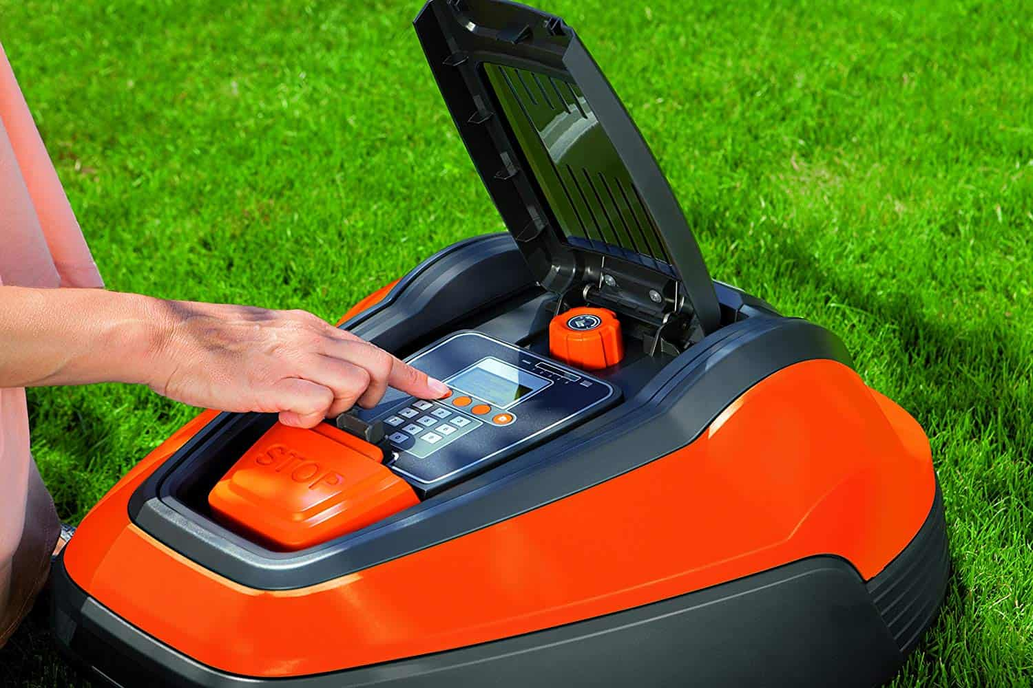 Flymo 1200R Lithium-Ion Robotic Lawn Mower