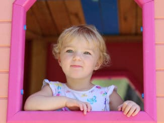 Plastic Playhouse buyers guide